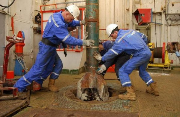 вакансии нефтяник за рубежом сегодня