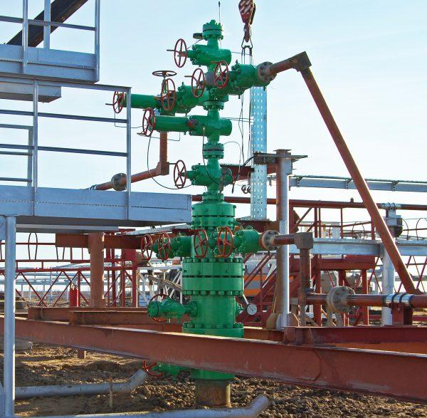 Основные схемы обвязки устья нефтяной скважины